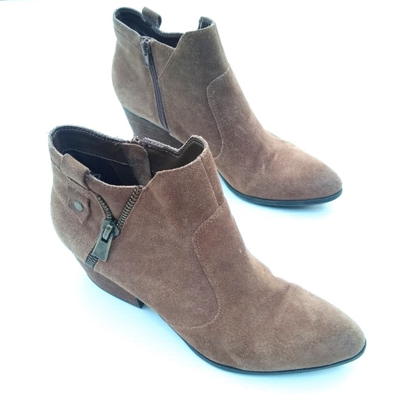 CROWN VINTAGE Larin brown suede heeled ankle boots